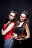 Annoiato di studio - sorelle Immagine Stock
