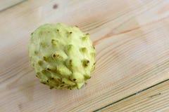 Annona, Custard Apple, Cherimoya, Cukrowy Apple na drewno stołu tle fotografia royalty free