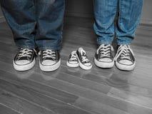 Annonce de bébé d'espadrille Photo libre de droits
