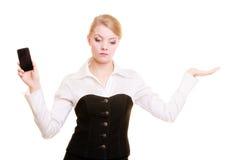 Annonce Femme d'affaires avec le téléphone montrant l'espace de copie image libre de droits
