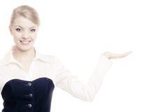 Annonce Femme d'affaires montrant l'espace vide de copie Photos libres de droits