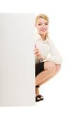 Annonce Femme d'affaires tenant la bannière vide de l'espace de copie Image stock