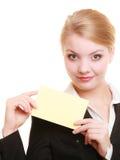 Annonce Femme d'affaires tenant la carte vierge de l'espace de copie Images libres de droits