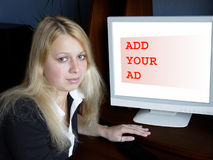 annonsen fyller på ditt Arkivfoto
