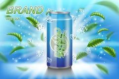 Annonser för etikett för iste med gröna sidor på blå bakgrund Drink för te för packedesign med iskuber för affisch eller baner royaltyfri illustrationer