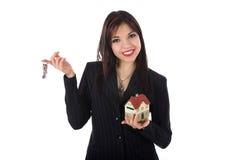 annonserar den verkliga kvinnan för affärsgodset royaltyfri foto