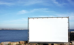 annonsering av den utomhus- panelen för kanfas arkivbilder