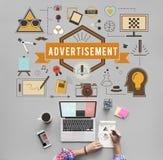 Annonsering som annonserar idérikt kommersiellt begrepp Royaltyfri Foto
