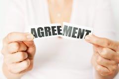 Annulli un accordo o allontani un concetto del contratto Fotografie Stock Libere da Diritti