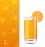 Annunci l'insegna con la bevanda arancio e le gocce Immagini Stock