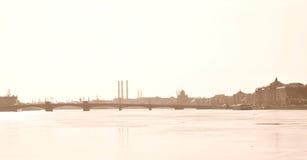 Annunciation γέφυρα και ποταμός Neva Στοκ φωτογραφία με δικαίωμα ελεύθερης χρήσης