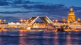 Annunciation γέφυρα, drawbridge, η γέφυρα στον ποταμό Neva, Άγιος Πετρούπολη, Ρωσία φιλμ μικρού μήκους