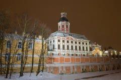 Annunciation εκκλησία του Αλεξάνδρου Nevsky Lavra το βράδυ Ιανουαρίου θόλος Isaac Πετρούπολη Ρωσία s Άγιος ST καθεδρικών ναών Στοκ φωτογραφία με δικαίωμα ελεύθερης χρήσης