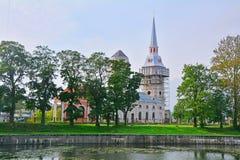 Annunciation καθεδρικός ναός στο κανάλι Staroladogsky σε Shlisselburg, Ρωσία Στοκ Φωτογραφία