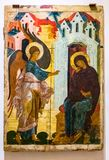 Annunciation χρωμάτισε στον ξύλινο πίνακα, μέσος-16$ος αιώνας Στοκ Φωτογραφία