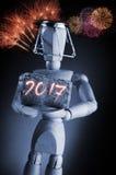 Ano 2016, modelo humano do desenho do artista do manequim do manequim que guarda uma cortiça do vinho no fundo preto com fogos-de Fotografia de Stock