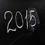 Ano número 2015 escrito na placa Fotografia de Stock
