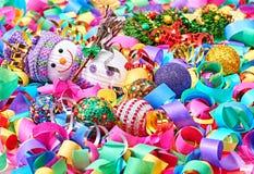 Ano novo 2016 Boneco de neve feliz, serpentina da decoração do partido Fotos de Stock
