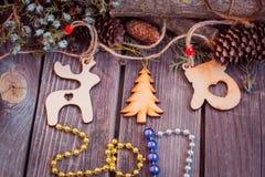 ano novo 2017, brinquedos de madeira no fundo Fotografia de Stock Royalty Free