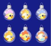 Ano novo do ornamento da decoração de vidro sem emenda do Natal da bola do teste padrão com galos novos, pássaros Fotografia de Stock Royalty Free