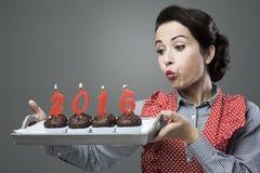 Ano novo feliz 2006 com queques Imagens de Stock Royalty Free