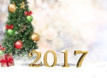 Ano novo feliz 2017 da tabela de madeira vazia na parede do bokeh do Natal Imagem de Stock Royalty Free