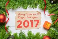 Ano novo feliz 2017 Decoração da árvore de abeto do Natal Foto de Stock Royalty Free