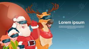 Ano novo feliz do Feliz Natal da realidade virtual dos vidros de Digitas do desgaste de Santa Clause Reindeer Elf Group Imagem de Stock