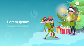 Ano novo feliz do Feliz Natal da realidade virtual dos vidros de Digitas do desgaste de Santa Helper Green Elf Group Foto de Stock