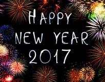 Ano novo feliz 2017 escrito com fogo de artifício da faísca Fotografia de Stock Royalty Free