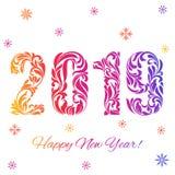 Ano novo feliz 2019 Fonte decorativa feita dos redemoinhos e de elementos florais Números coloridos e flocos de neve ilustração do vetor