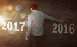 Ano novo feliz que anda a 2017 Fotografia de Stock