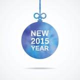 Ano novo feliz uma fonte branca em uma bola do Natal da cor de água Fotografia de Stock
