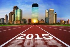 Ano novo 2015 no conceito da pista de atletismo com céu azul Fotos de Stock Royalty Free
