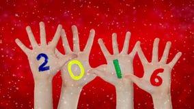 Ano novo 2016 pintado nas mãos acima levantadas Fundo do Natal filme