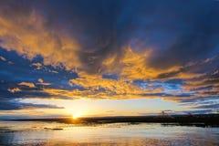 Anoitecer do lago Qinghai imagens de stock