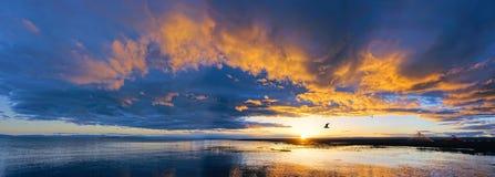Anoitecer do lago Qinghai imagem de stock royalty free