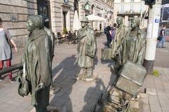 Anonimowi Pedestrians - pomnik wprowadzenie stan wojenny w Polska fotografia stock