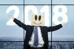 Anonimowy biznesmen z liczbami 2018 zdjęcie royalty free