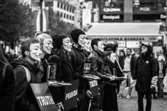 Anonimowy dla bezdźwięcznego spełniania w Praga obrazy royalty free