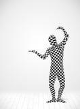Anonym man som framlägger din produkt Arkivfoto