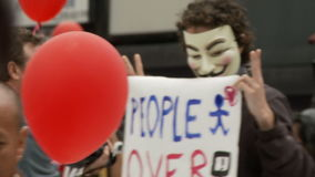 Anonymous in the Crowd