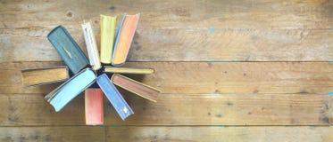 Anordnung für Bücher, flache Lage, Freiexemplarraum Stockfoto