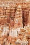 Anordnungen des sedimentären Felsens im bryce Schluchtpark lizenzfreies stockfoto