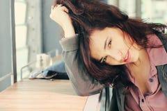 35 anos bonitos da mulher adulta Imagem de Stock Royalty Free