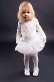 2 anos de menina idosa no branco Imagens de Stock Royalty Free