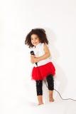 3 anos de menina idosa que canta Imagem de Stock Royalty Free