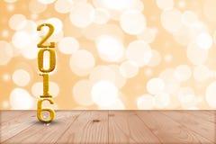 2016 anos na madeira da perspectiva com a parede do bokeh do borrão e de madeira Imagem de Stock Royalty Free