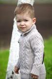 2 anos na moda do levantamento velho do bebê Fotos de Stock Royalty Free