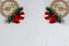 Anos novos da textura com humor do inverno, decoração isolada em um fundo branco imagens de stock